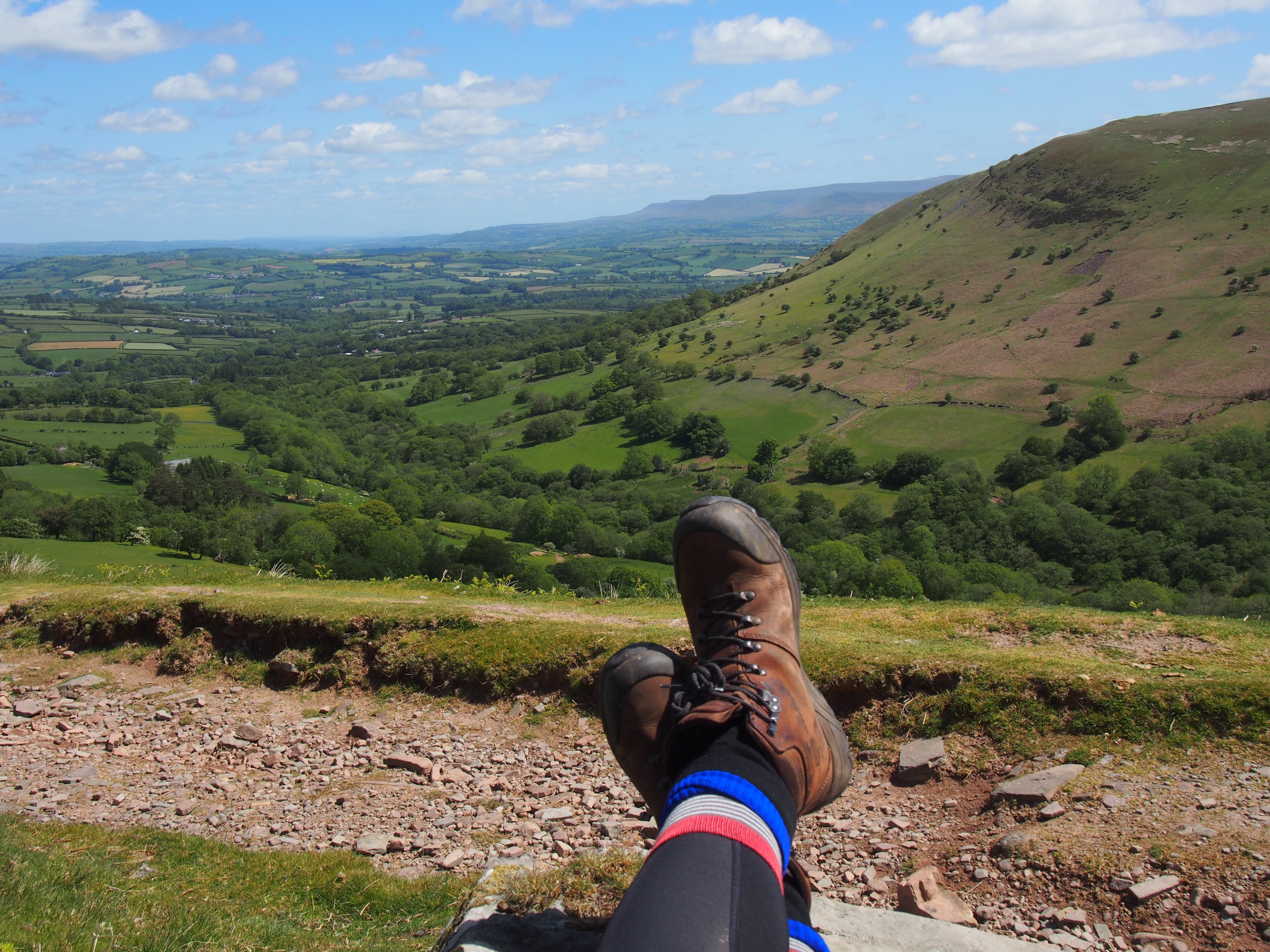 Chilling on the way down looking over to the Blackk Mountains